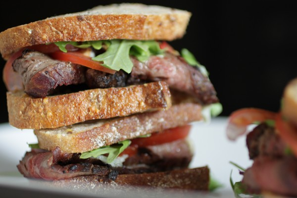 Post image for WALLA WALLA & GORGONZOLA FLANK STEAK SAMMIES
